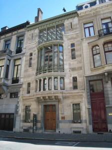 Victor Horta Hotel Tassel 225x300 Дома Хорта в Брюсселе   под стеклянными балдахинами